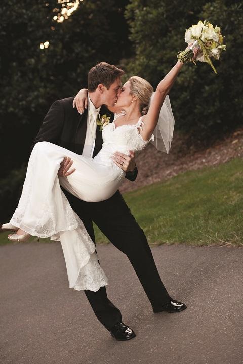 Bride_groom_kissing_small.full