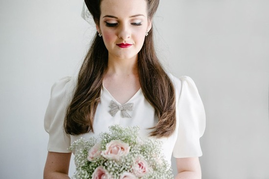 Pouf sleeved retro wedding gown