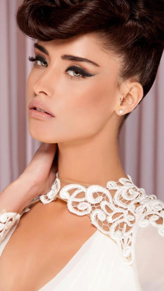 photo of Retro glamour wedding makeup and hair