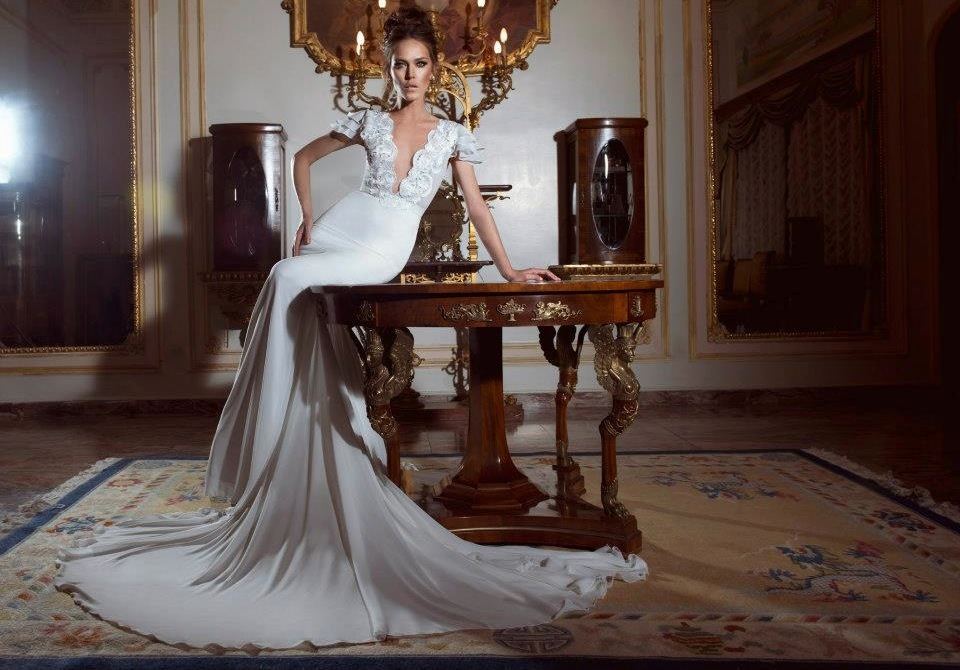 Cap-sleeve-wedding-dress-with-plunging-neckline.full