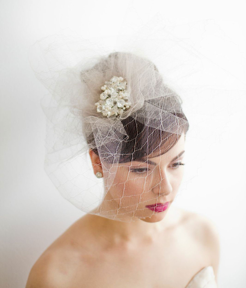 Statement-wedding-headpiece-by-emici-bridal.full
