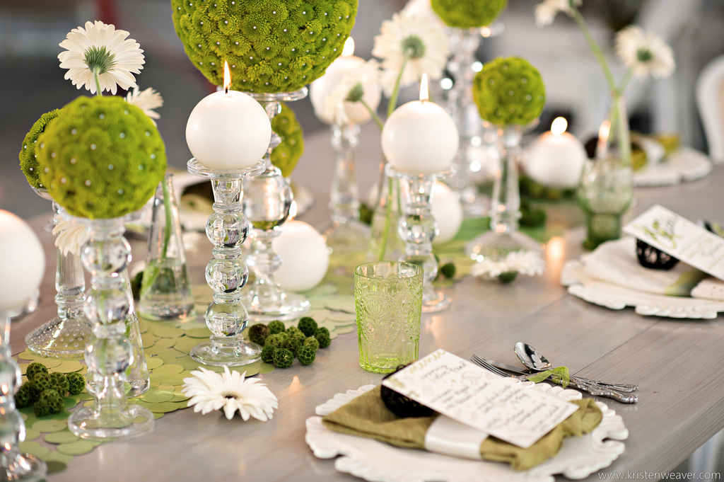 Green And White Elegant Wedding Tablescape