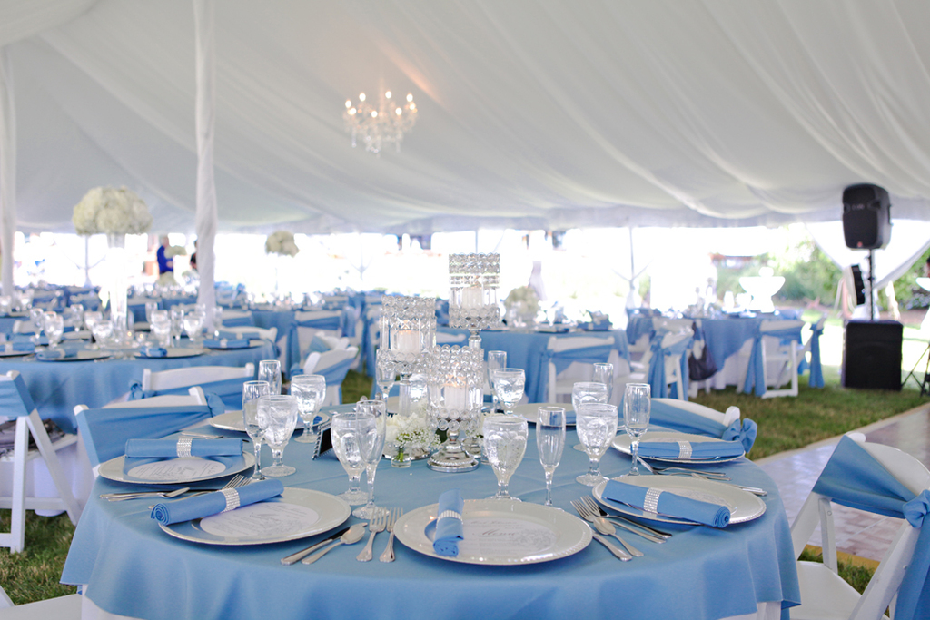 Outdoor Wedding Venue at Holiday Inn Spring Lake Grand Haven
