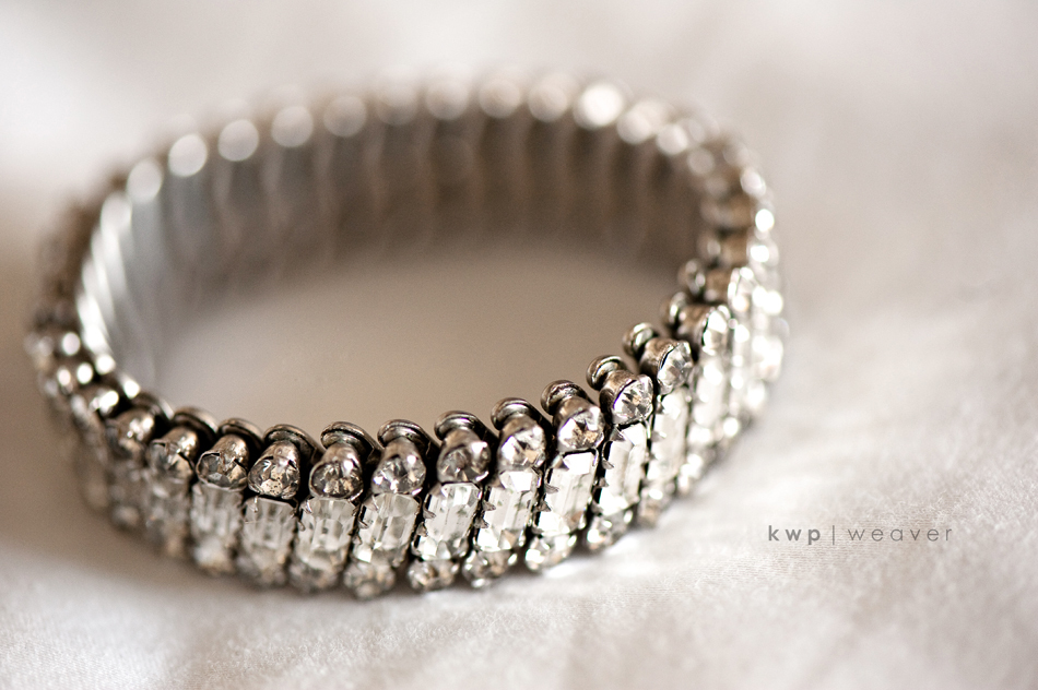 Vintage-wedding-style-wedding-photography-bracelet-2.full