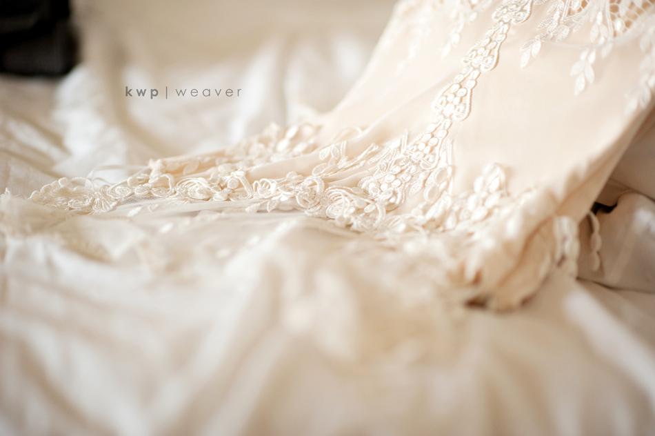Vintage-wedding-style-wedding-photography-wedding-dress-3.full