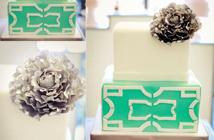 Teal-white-wedding-cake-silver-flower.full