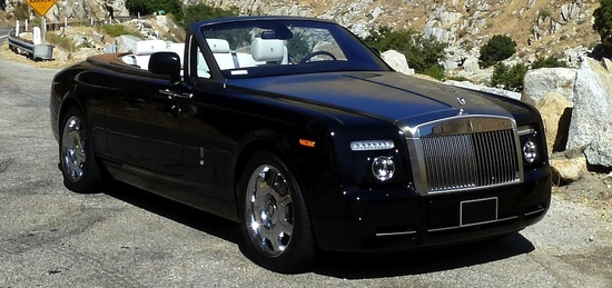 Rolls-Royce_Phantom_Drophead_850x400