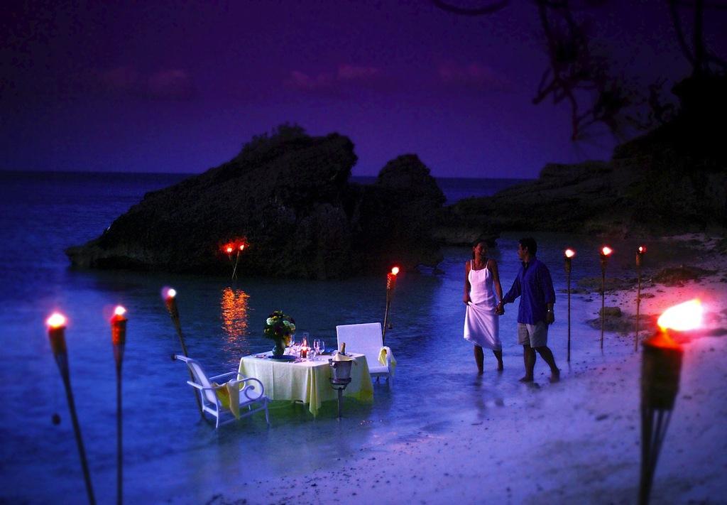 Bermuda-wedding-tropical-destination-romantic-private-beach-dining.full