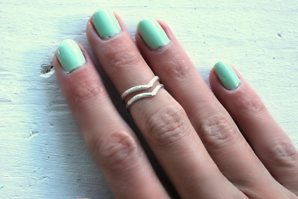 Sterling-silver-chevron-knuckle-rings.full