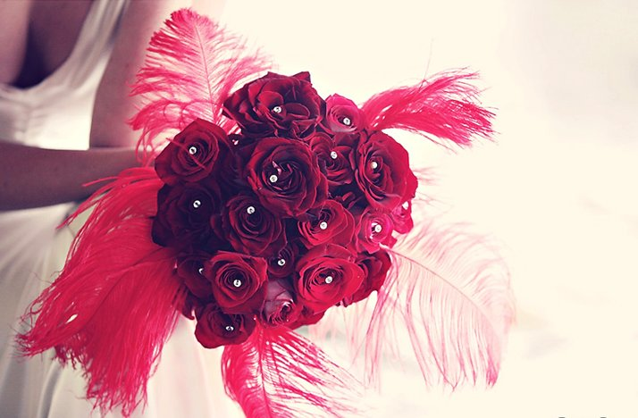 Red-bridal-bouquet-vintage-wedding-style.full