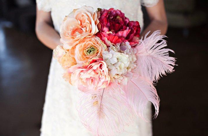 Vintage-glam-wedding-style-bridal-bouquet.full