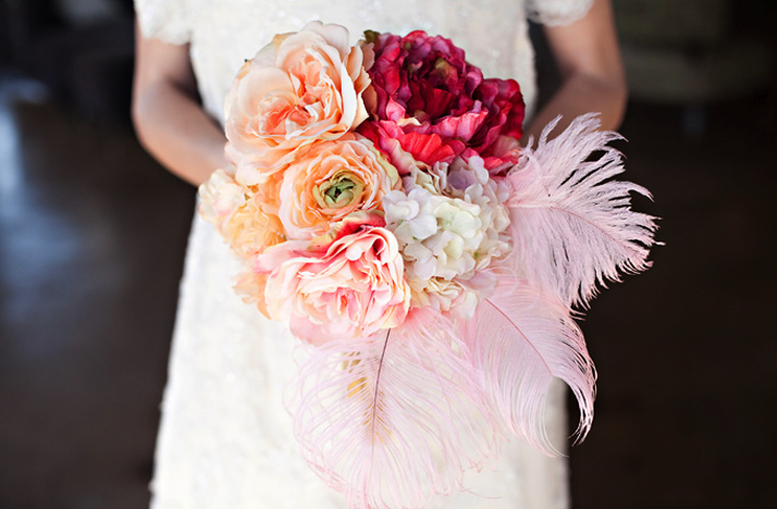 Vintage-glam-wedding-style-bridal-bouquet.original