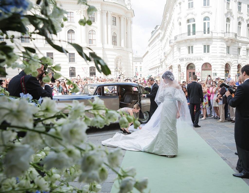 Fashion royalty wedding in Vienna Austria | OneWed.com