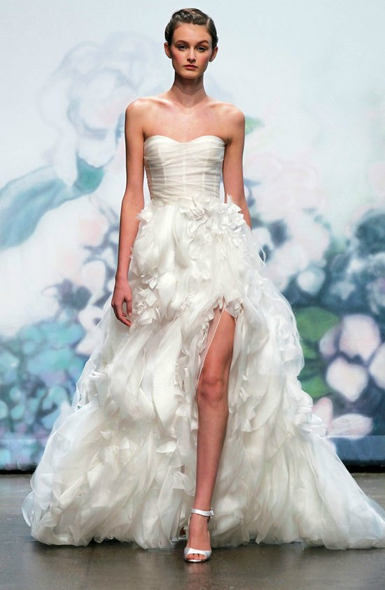 2012 wedding dress trends slits bridal gowns monique lhuillier 3