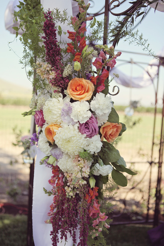 Wedding Flower Arrangement for Outdoor Wedding