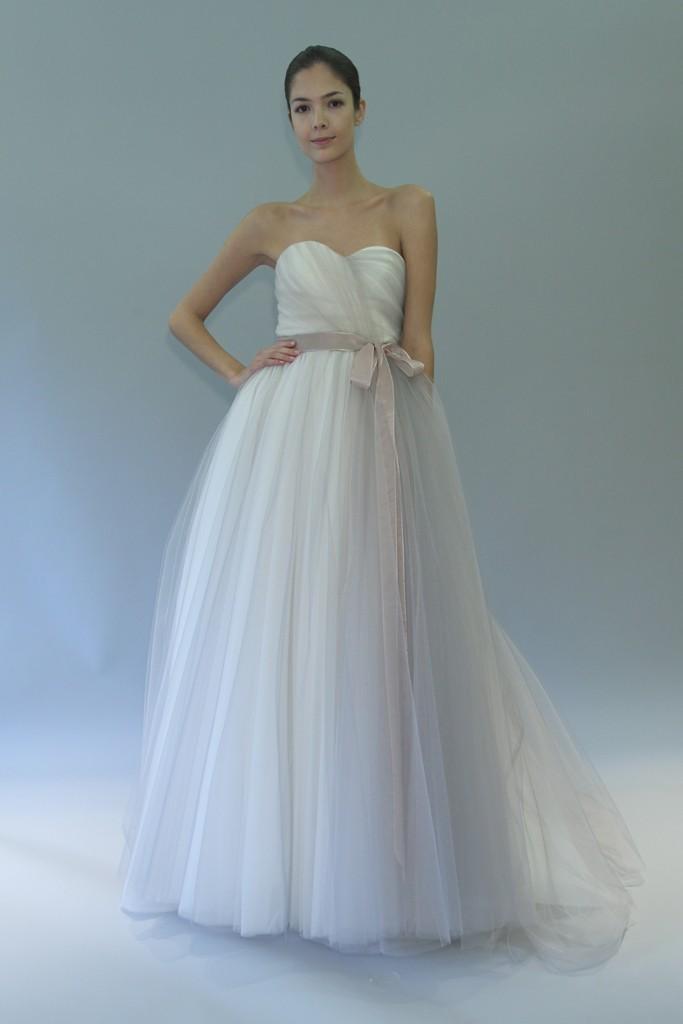 Carolina-herrera-wedding-dress-fall-2012-bridal-gowns-8.full