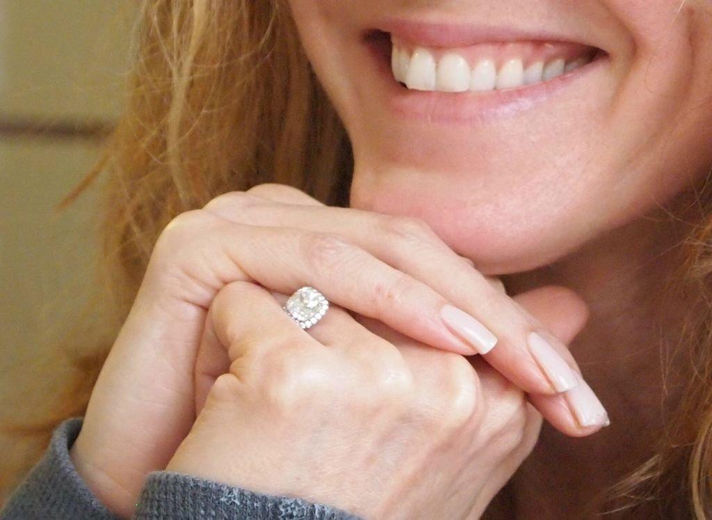 Rosie-odonnell-engaged-diamond-engagement-ring.full