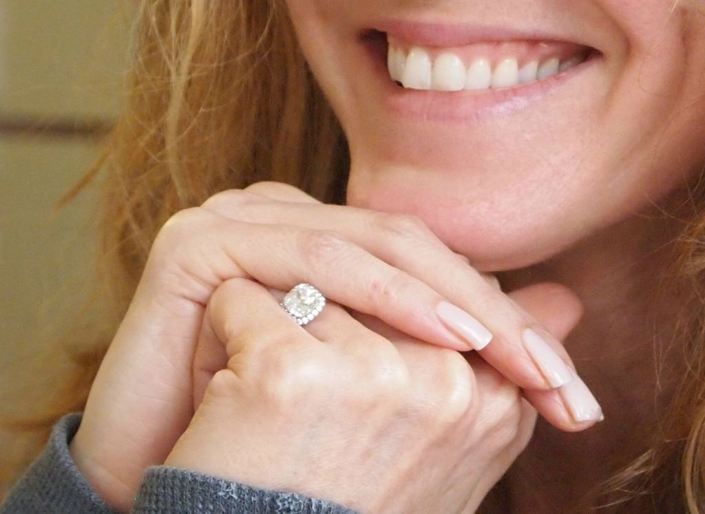 Rosie-odonnell-engaged-diamond-engagement-ring.original