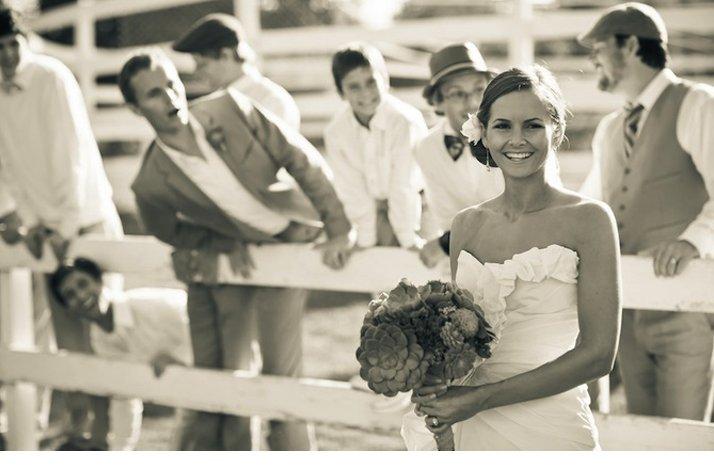 Black-white-wedding-photo-eco-friendly-bridal-bouquet-succulents.full