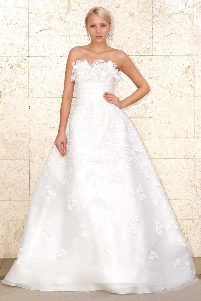 Oscar-de-la-renta-wedding-dress-spring-2012-bridal-gowns-5.full