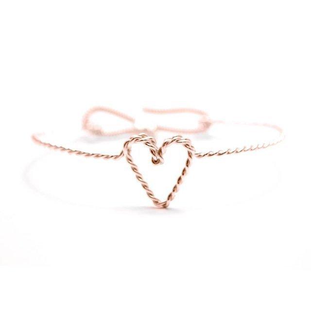 Rose-gold-heart-bracelets-for-bridesmaids.full