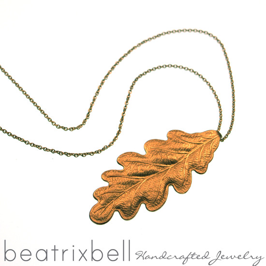 golden-oak-necklace