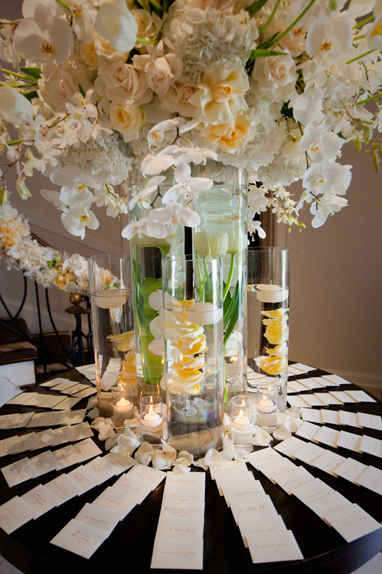 Ivory Flower Arrangement for Wedding Tables