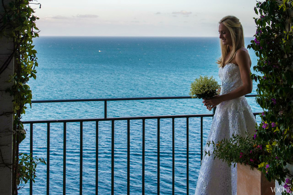 Amalfi-coast-wedding-elegant-beach-bride.full