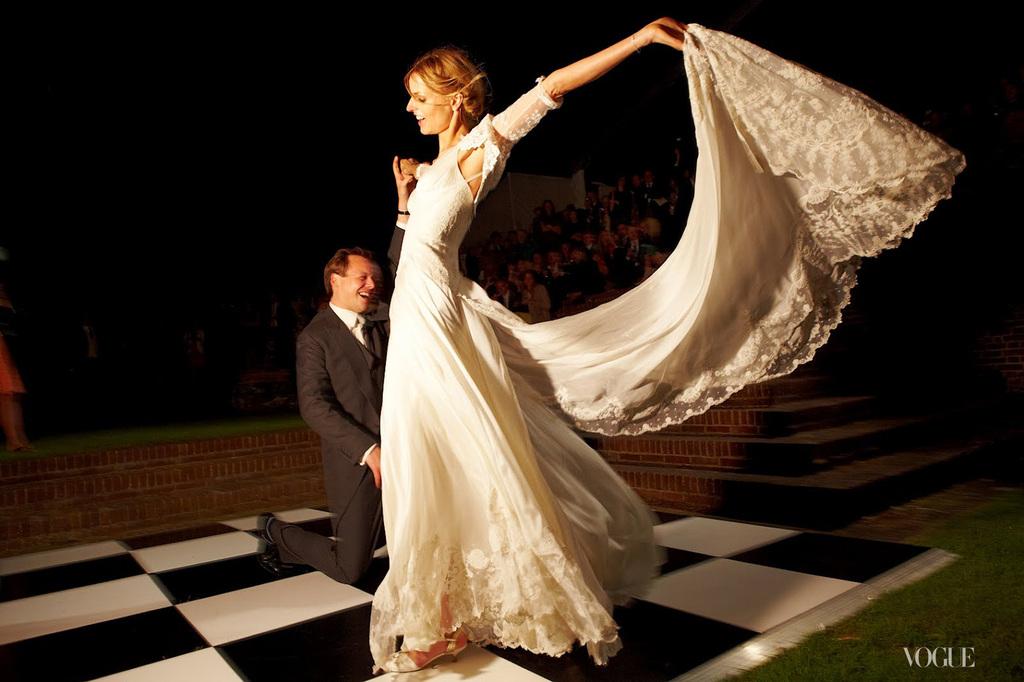Jacquetta-wheeler-celebrity-wedding-first-dance.full