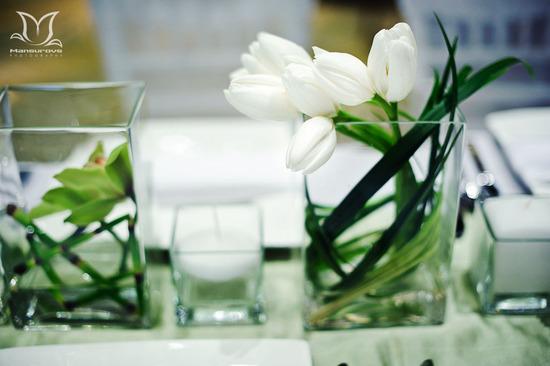 Unique wedding centerpieces using fruit green apples for Modern centerpieces