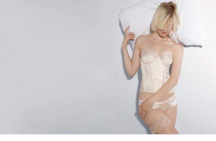 Stella-mccartny-wedding-lingerie-bridal-corset.full