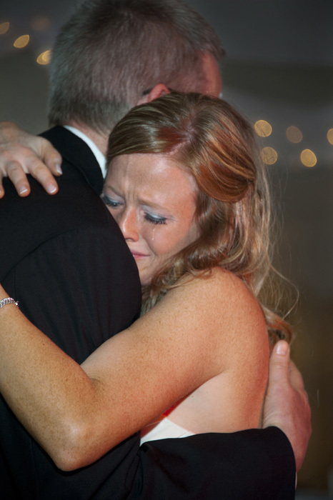 emotional-crying-bride-father-dance-columbus