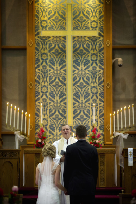 wedding-ceremony-church-columbus-photography