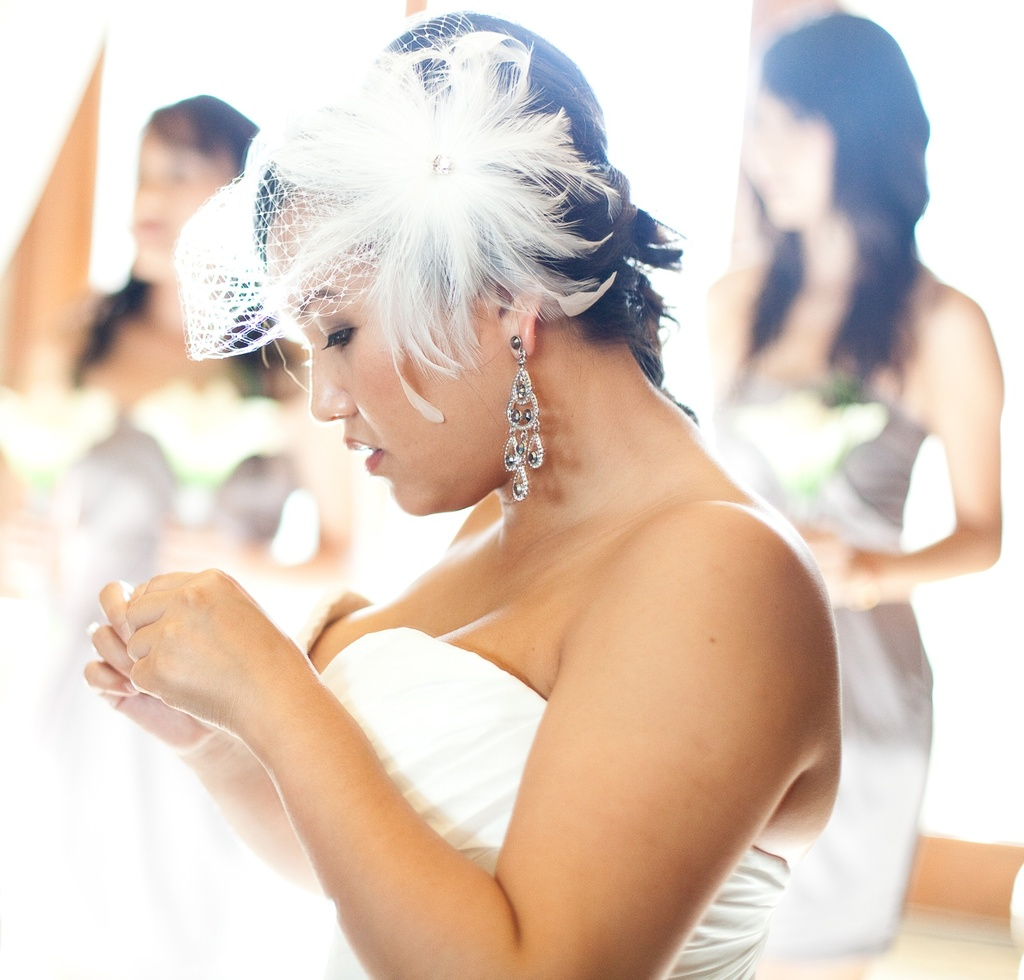 Outdoor-asian-wedding-purple-wedding-colors-bride-gets-ready.full
