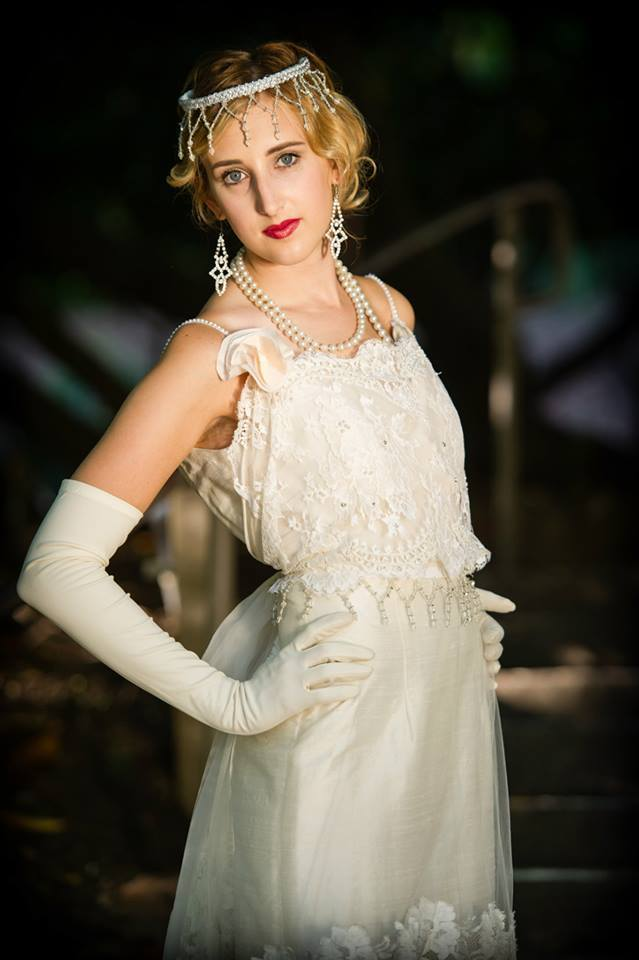 Downton-abbey-inspired-bridal-style-wedding-gown-veil-and-accessories.full