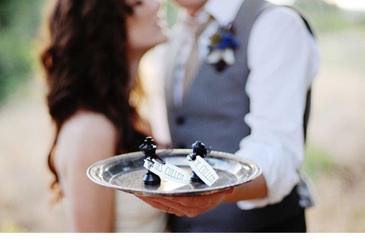 Breaking-dawn-twilight-wedding-inspiration-bride-groom-kiss.full