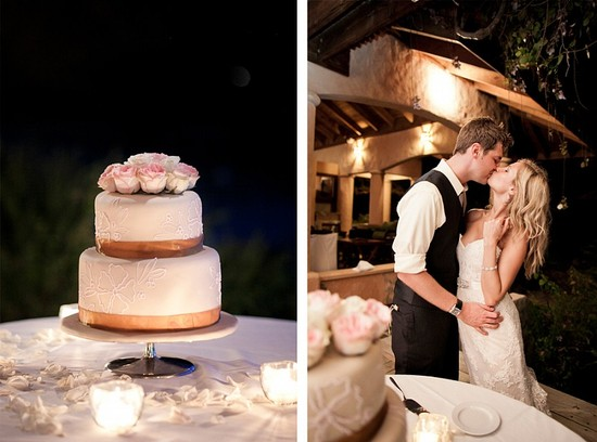 Destination wedding in the Dominican Republic simple wedding cake