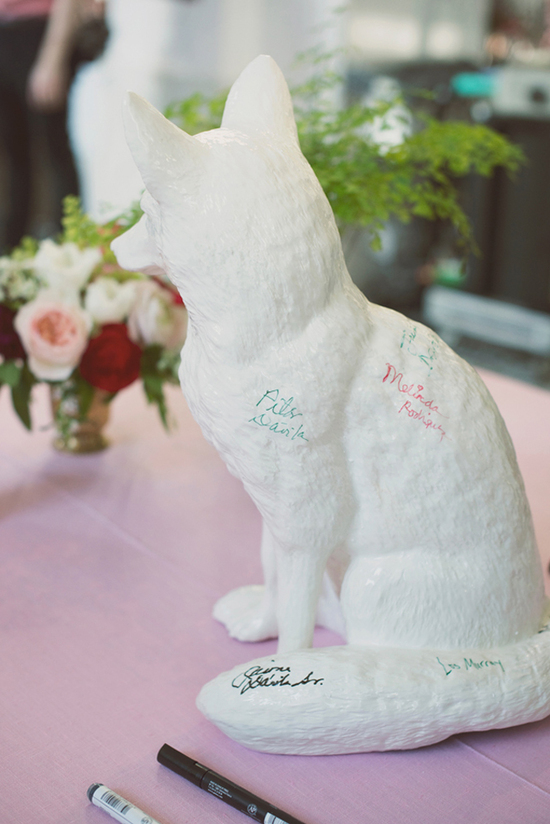 Awesome wedding guest book alternative for feline lovers