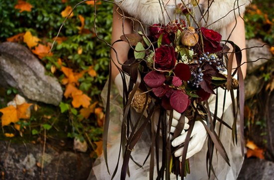 dark romance bridal bouquet
