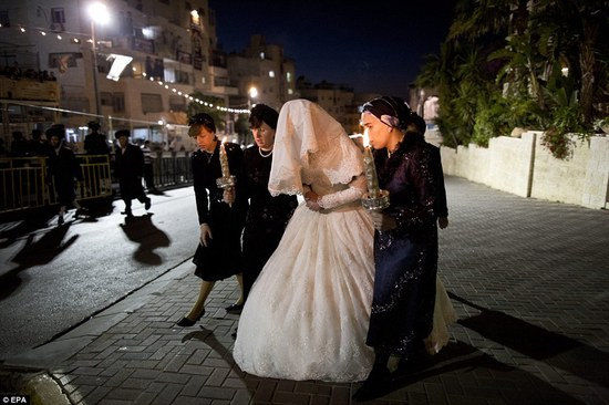 Orthodox Jewish wedding with 30k wedding guests