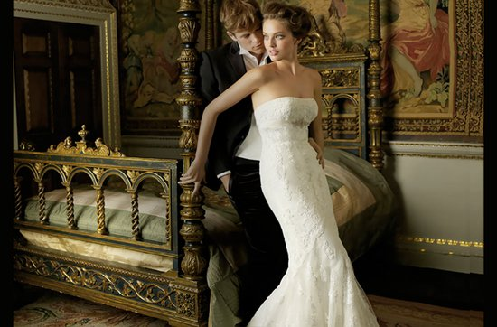 lace wedding dress classic strapless 2012 pronovias- Petunia