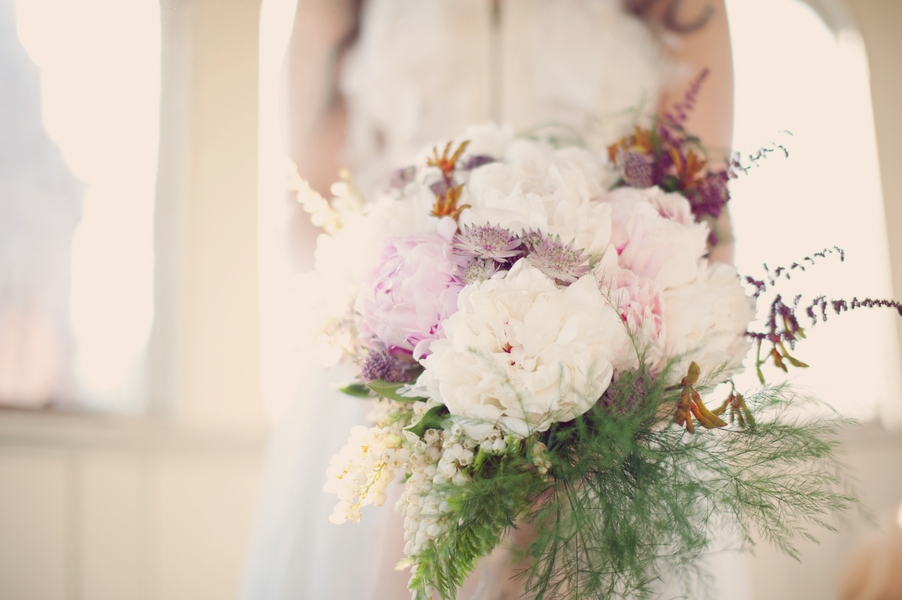 Oversized-peony-bridal-bouquet.full