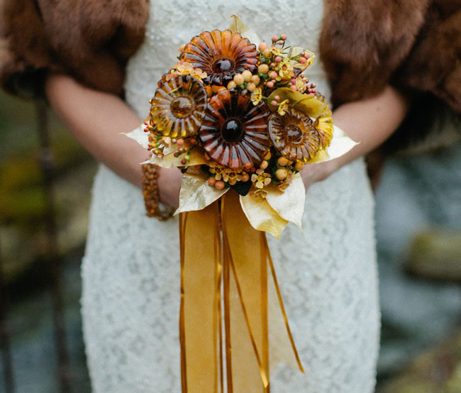Patina-styled-wedding-shoot-unique-brooch-bouquet.full