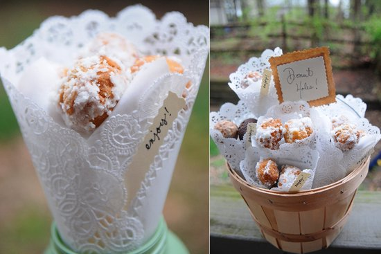 5 unique wedding favor ideas for rustic chic wedding styles- sweets for your wedding guests