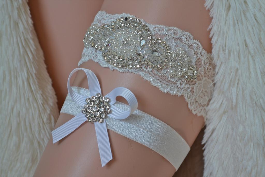 Heirloom_vintage_%20wedding_garter_pearl_crystals_3.full