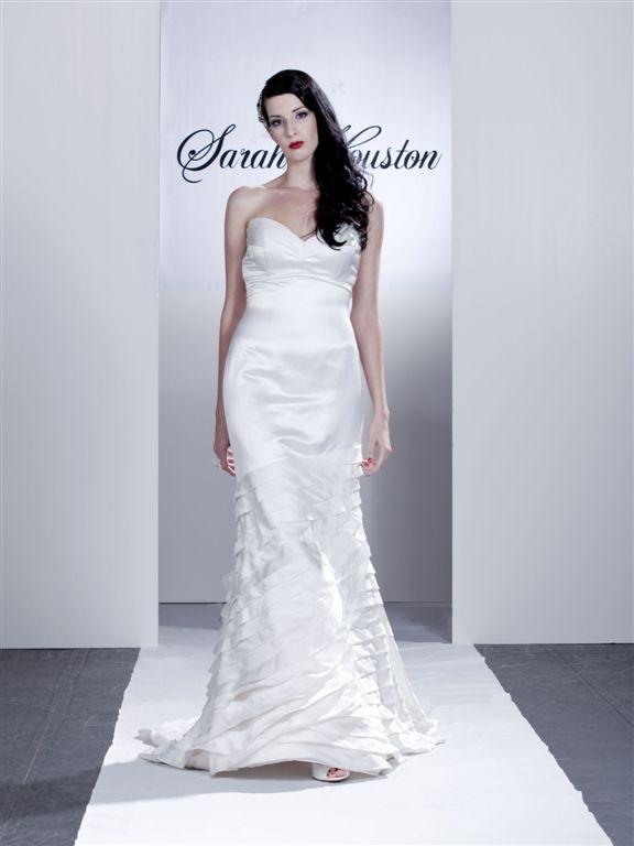 Vineyard_sweetheart-neckline-white-wedding-dress-a-line-satin.full