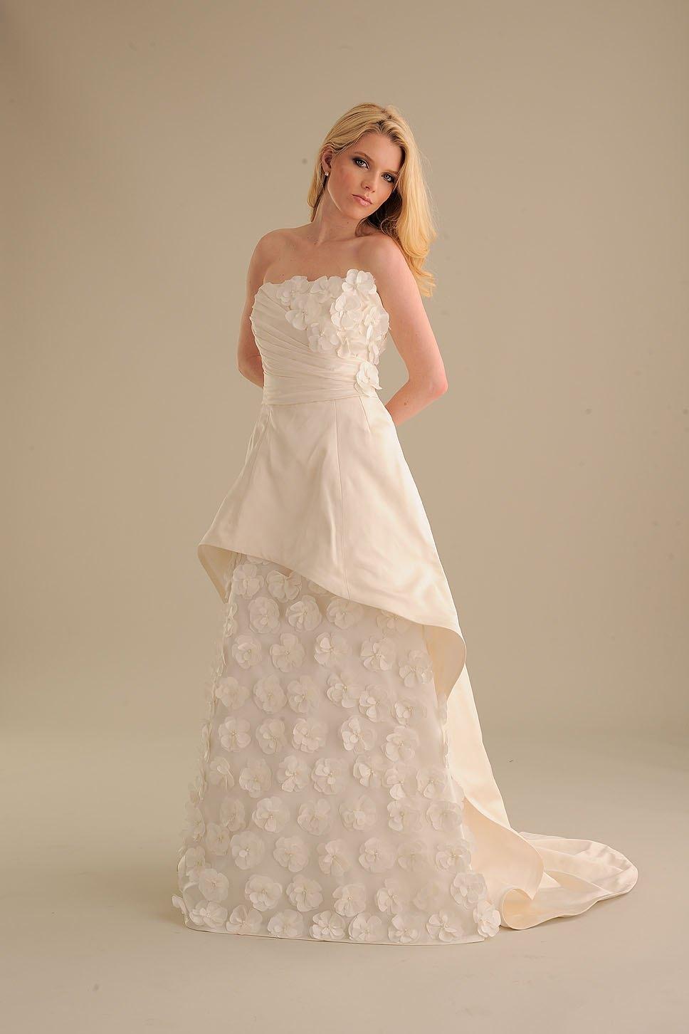 No-ordinary-bride-wedding-dress-846-3.full