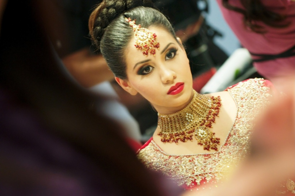 Bridal-beauty-inspiration-red-lips-wedding-makeup-indian-bride.full