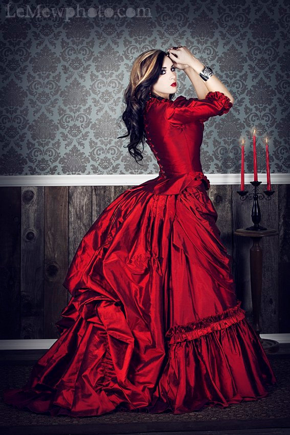 Gothic-wedding-style-handmade-bridal-gowns-in-bold-colors-2.full