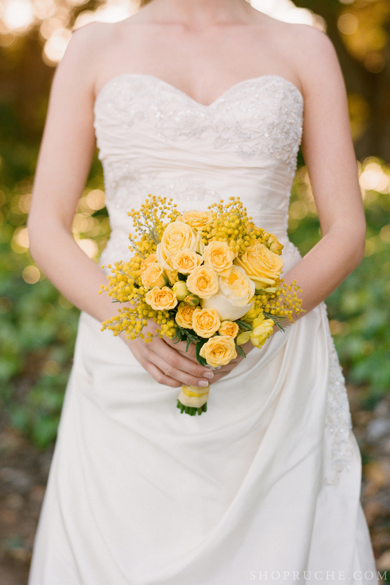 Yellow-bridal-bouquet-for-spring.full